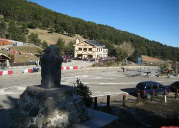 Pistas de esquí de Valdesquí en el puerto de Los Cotos